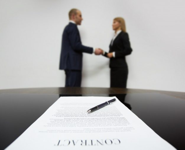 Sprzedaż i kupno udziału czy praw w spółce cywilnej