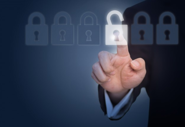 Ochrona osób i mienia: kierownik, pracownicy i plan ochrony