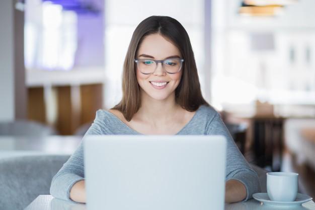Zakup towaru lub usługi przez internet oraz poza lokalem firmy