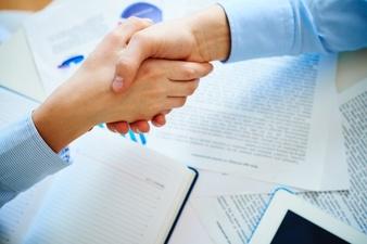 Umowa między spółką, a członkiem zarządu