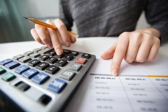 Wkład do spółki kapitałowej: co może być wkładem, wady i pożyczka