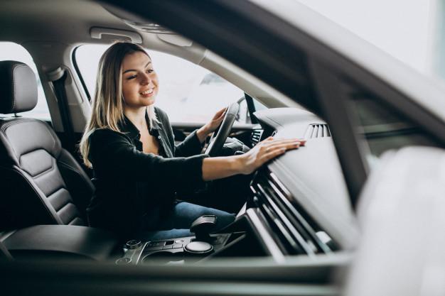 Odpowiedzialność i odszkodowanie pracownika za kradzież samochodu służbowego
