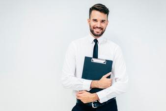 Przywrócenie pracownika do pracy na poprzednich warunkach a wynagrodzenie