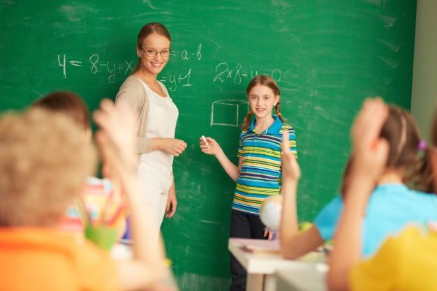 Wygaśnięcie umowy o pracę nauczyciela w szkole