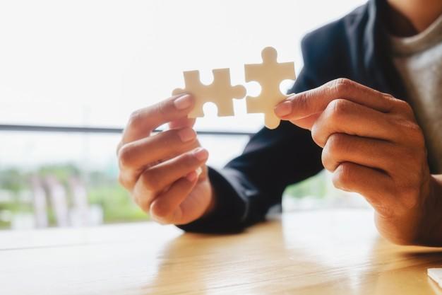 Podnoszenie kwalifikacji zawodowych pracownika: umowa szkoleniowa oraz zwrot kosztów i opłat