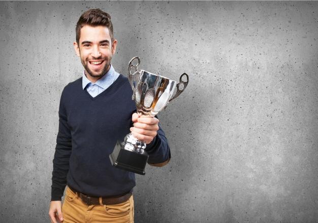 Przyznanie i wypłata nagrody lub wyróżnienia pracownika w pracy