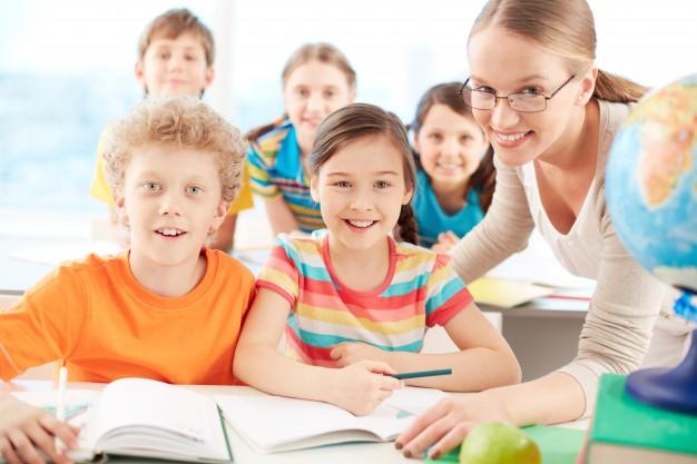 Dodatek nauczyciela w szkole za pracę w trudnych lub uciążliwych warunkach